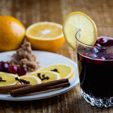 Alcoholic and Non-Alcoholic Mulled Wine Recipe