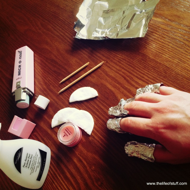 An Easy Guide On How To Remove Shellac Nail Polish At Home