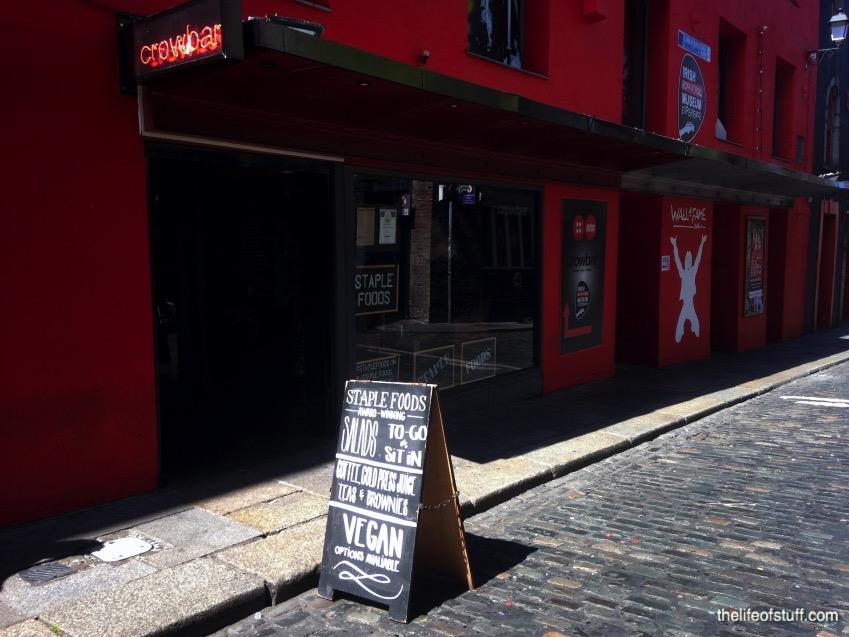 Staple foods curved street temple bar dublin for Bar food dublin 2