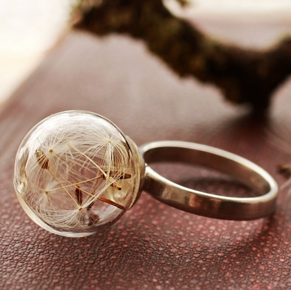 10 Irish Designed Jewellery You'll Covet Ruby Robin Silver Dandelion Wish Ring €50.00
